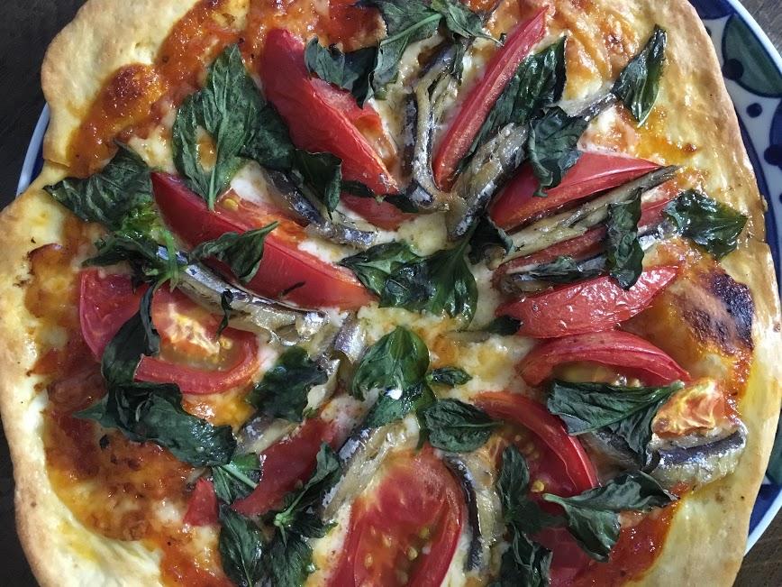 きびなごトマトピザ